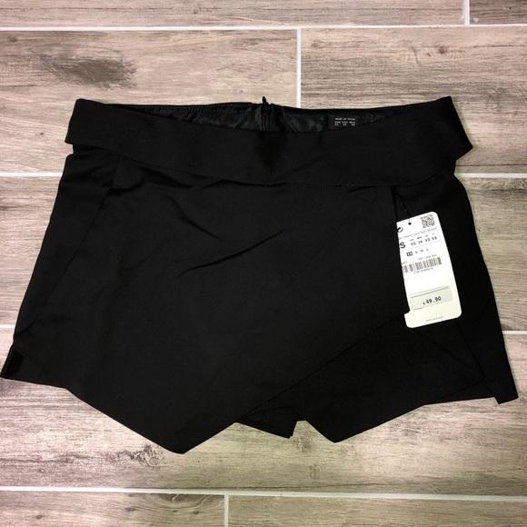 Zara Pants - Zara Black Shorts / Skirt